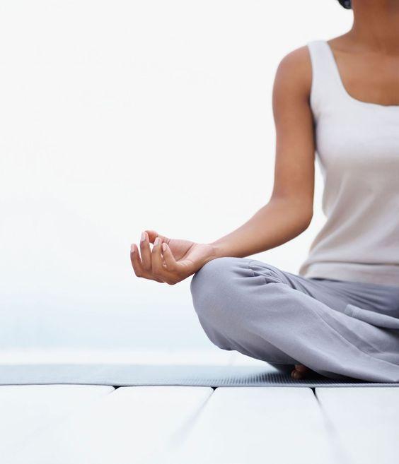 Mníšek p. Brdy – Hormonální jóga, živé pánevní dno a aromaterapie: 2DENNÍ SEMINÁŘ (12. – 13. 11. 2021)